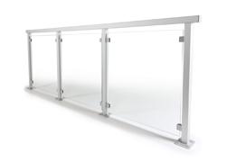 Glasgelænder med aluminiumsstolper