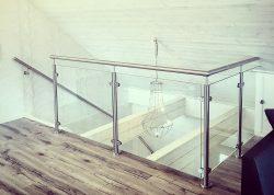 Glasgelænder i rustfrit stål